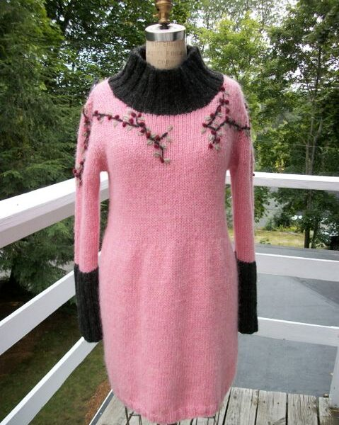 icelandic-wool-tunic-with-floral-design-1